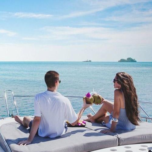 Kamenovo Beach yacht